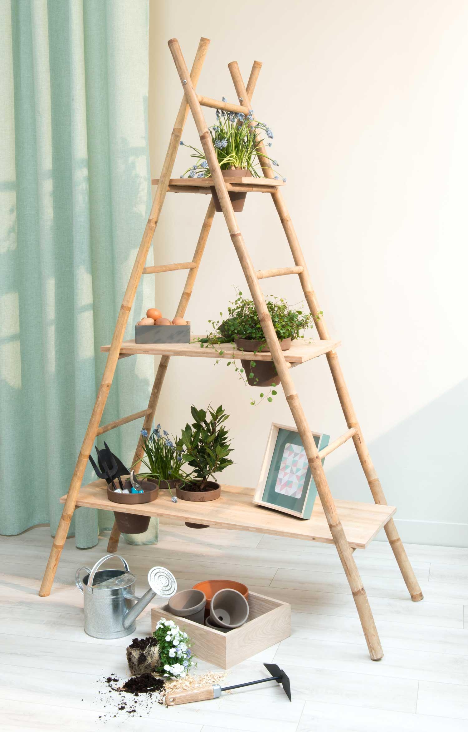 Escada estante de bambu