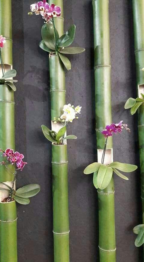Enfeite a parede com um painel de bambu