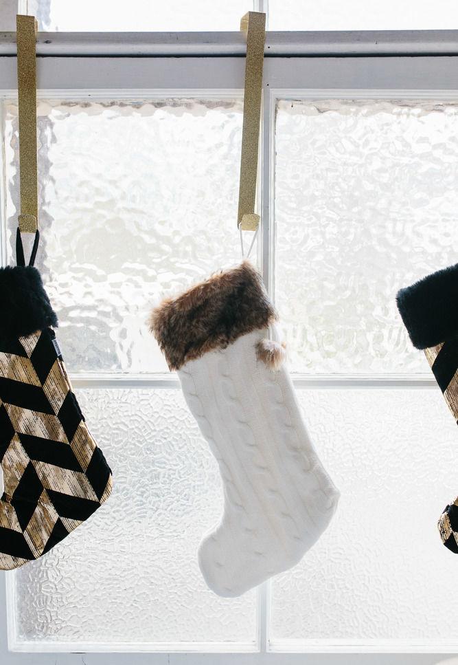 Glam socks na janela.