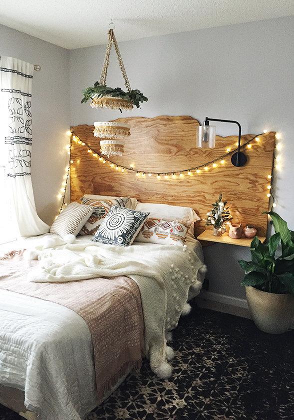Que o seu Natal seja iluminado e brilhante: quarto com pisca-pisca.