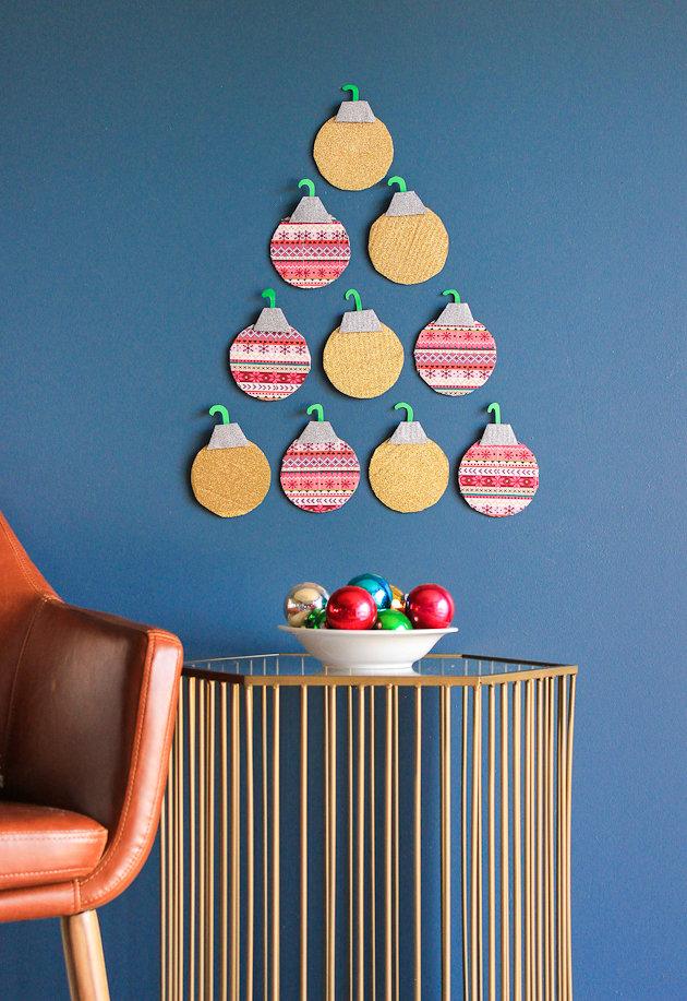 Decoração de natal simples e barata: árvore de natal em feltro.