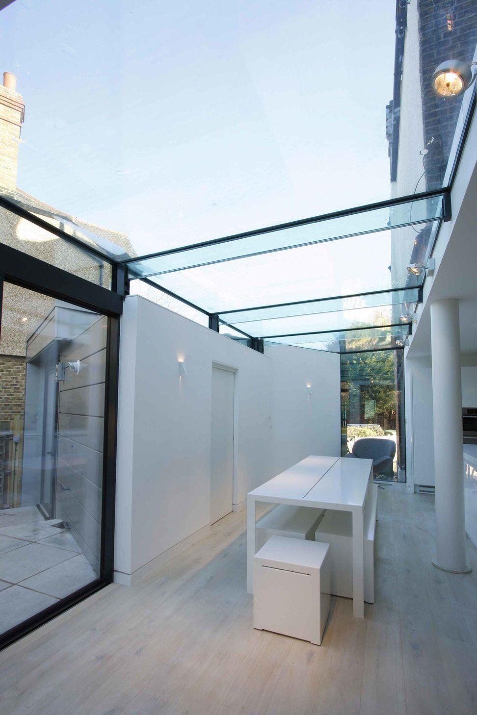 Estabeleça uma leve inclinação para os painéis de vidro