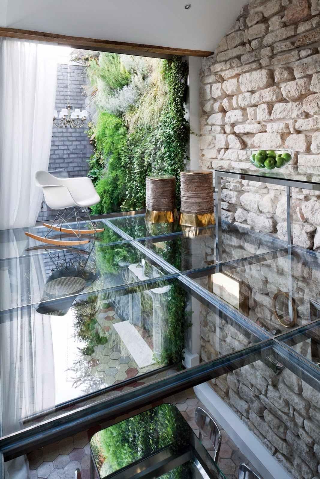 Cobertura e piso feito com o mesmo materia