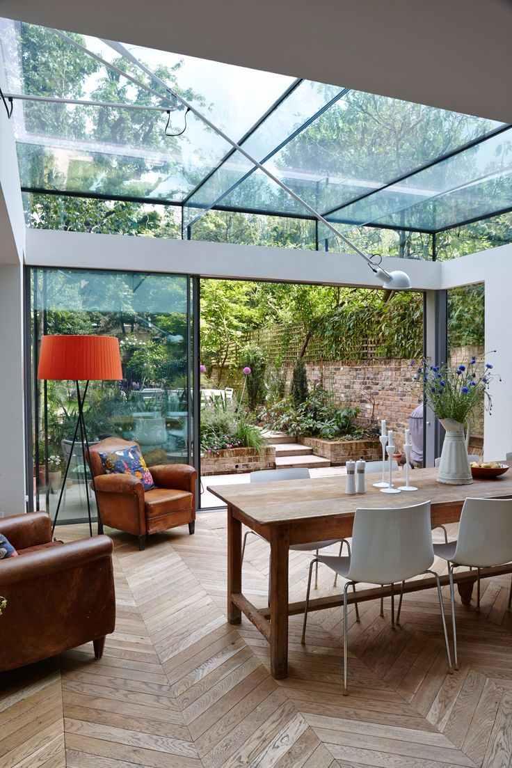 As vigas podem ser feitas com o próprio vidro, deixando o visual mais leve e clean