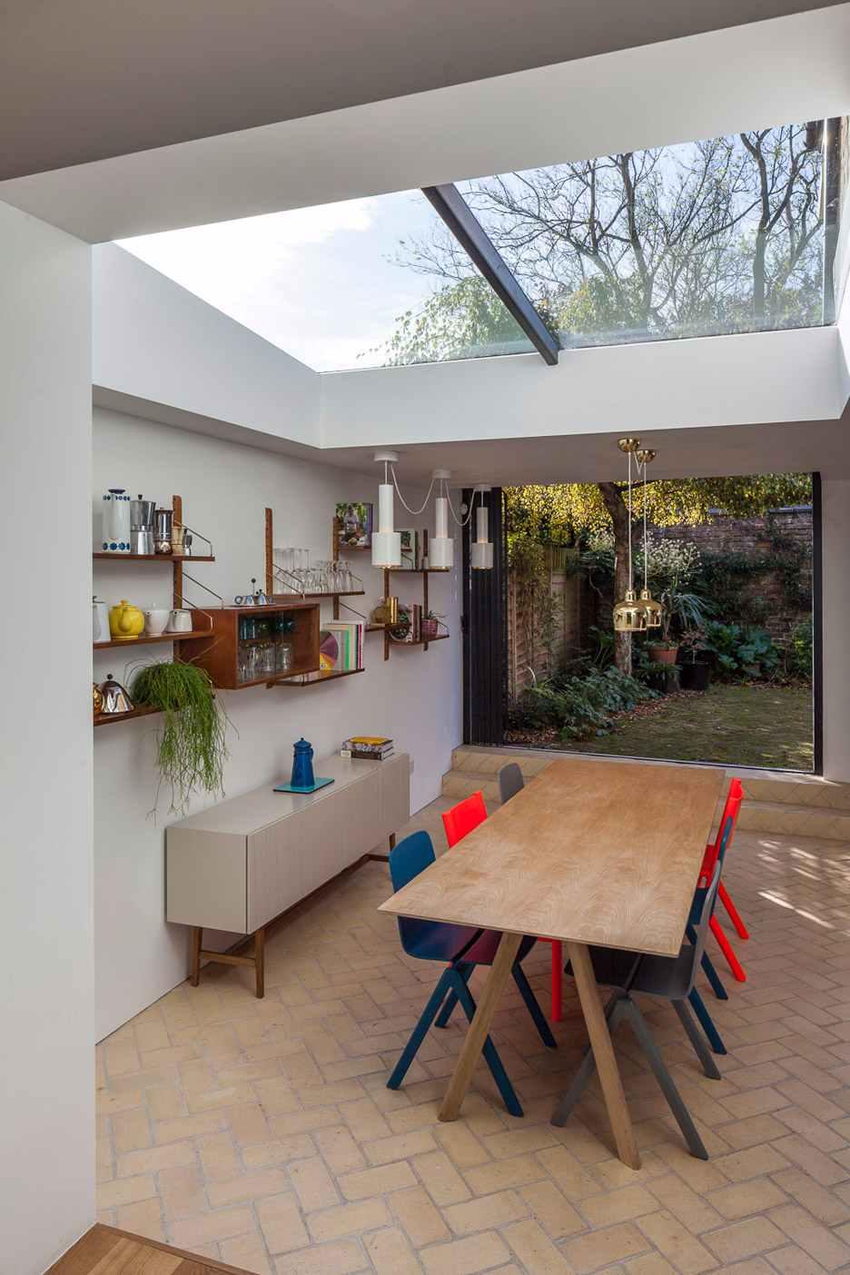 Escolha algum ambiente da casa para aplicar os painéis envidraçados