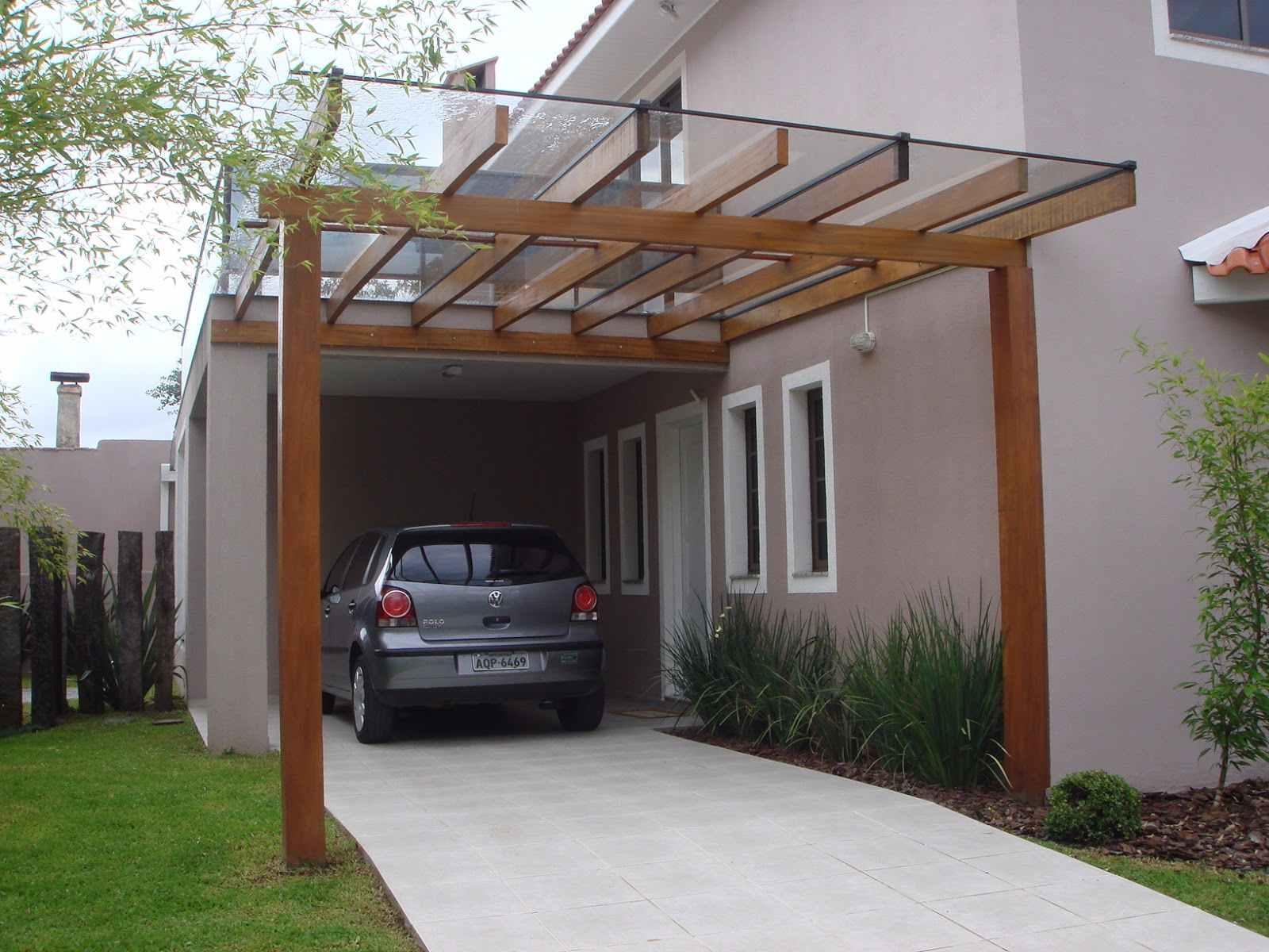 Garagem com telhado de vidro