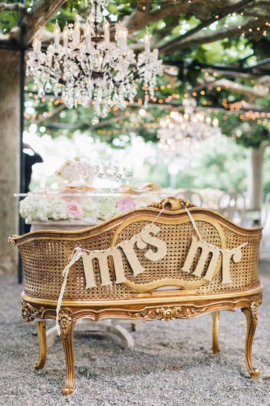 Poltrona clássica para os noivos.