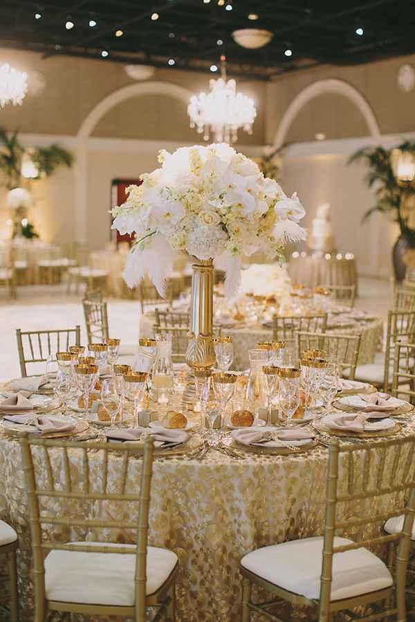 E por fim, mais uma sugestão sensacional de decoração de casamento dourado!