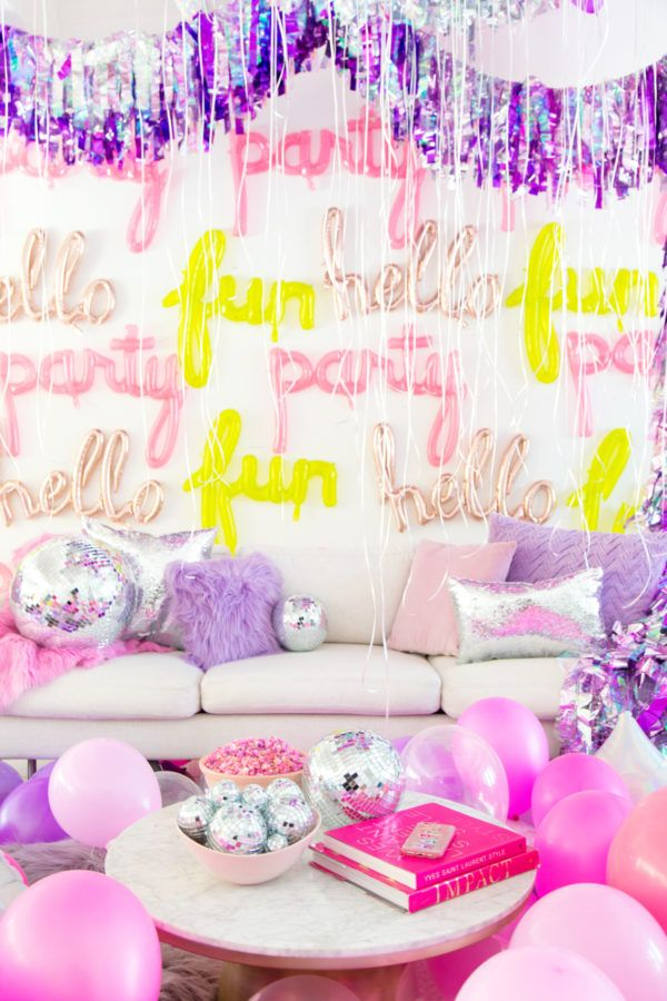 Ideia de decoração para festa Neon