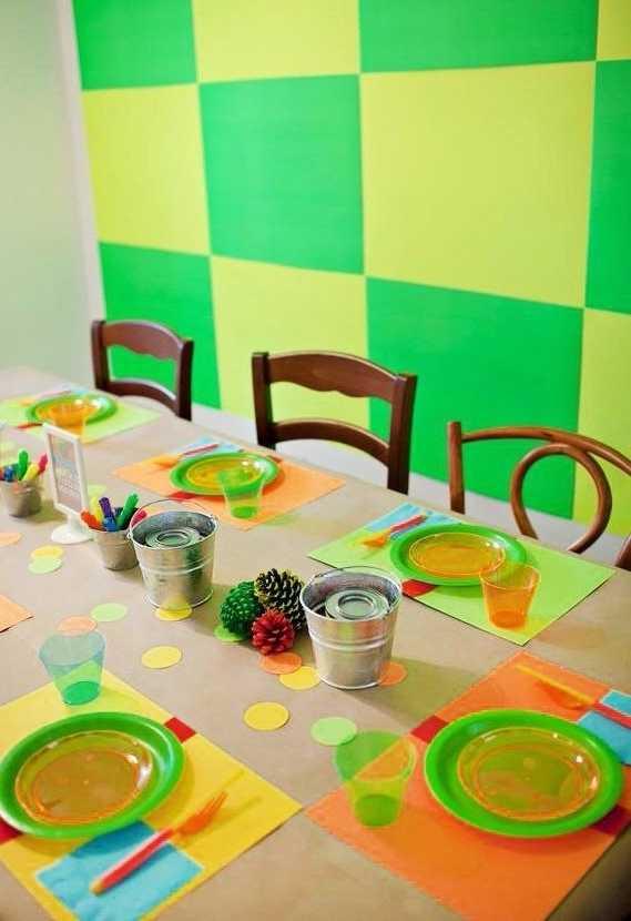 Decoração de mesa para festa neon