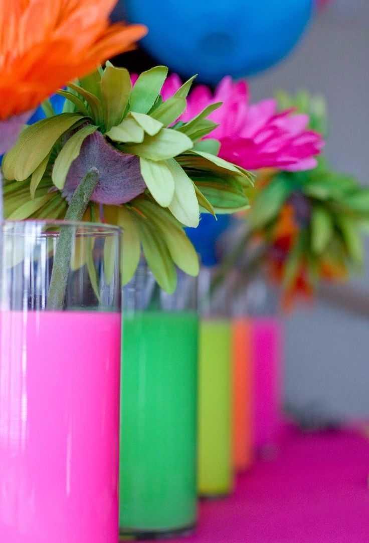 Decoração de centro de mesa para festa Neon