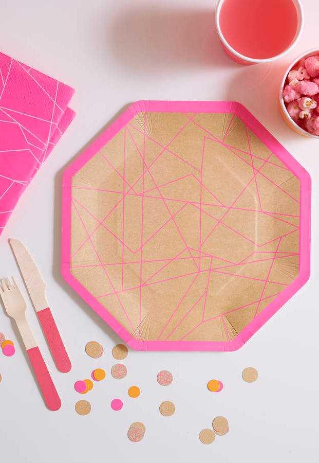 Descartáveis neon com estampas geométricas e minimalistas