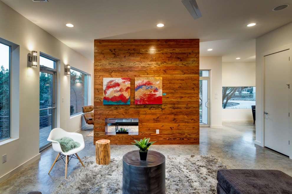 Mantenha uma divisória ou parede em destaque com o o uso da madeira como revestimento.