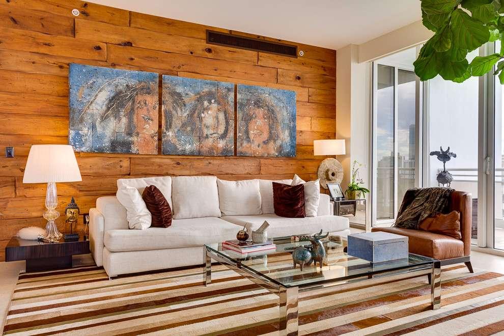 Mude a cara da sua sala com uma bela parede revestida com madeira.