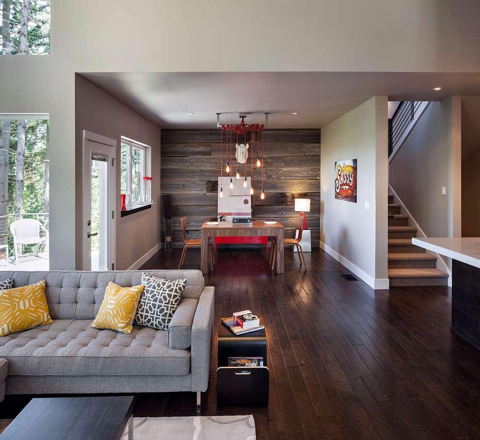 Esta sala tem a continuidade entre o material no piso e na parede.