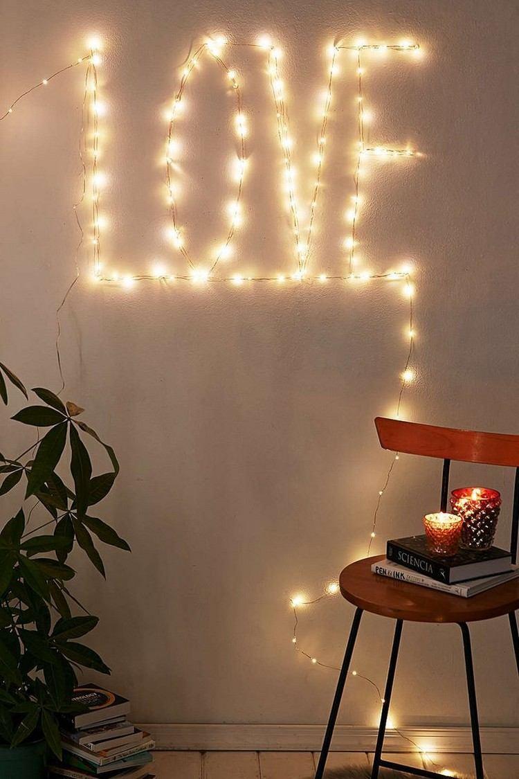 Iluminação na palavra LOVE / amor