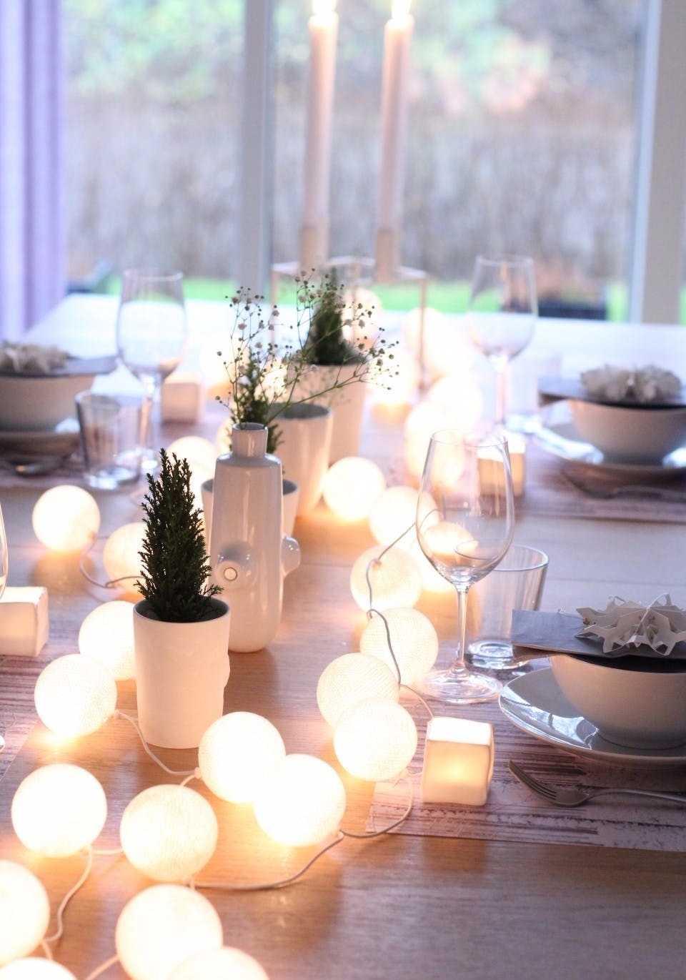 Iluminação na mesa de jantar