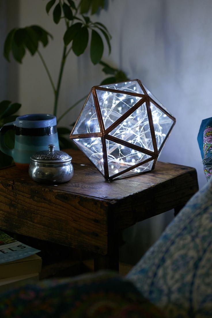 Luminária especial com formato geométrico