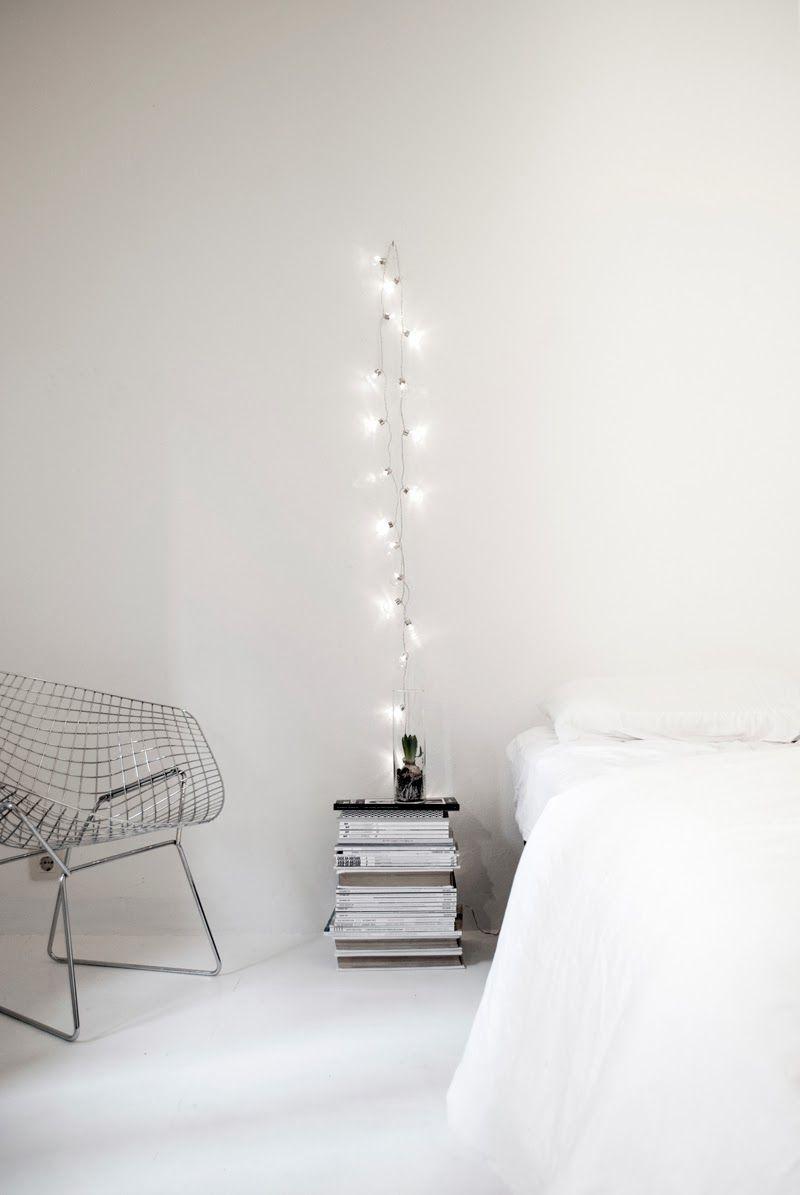 Decoração simples e minimalista com iluminação