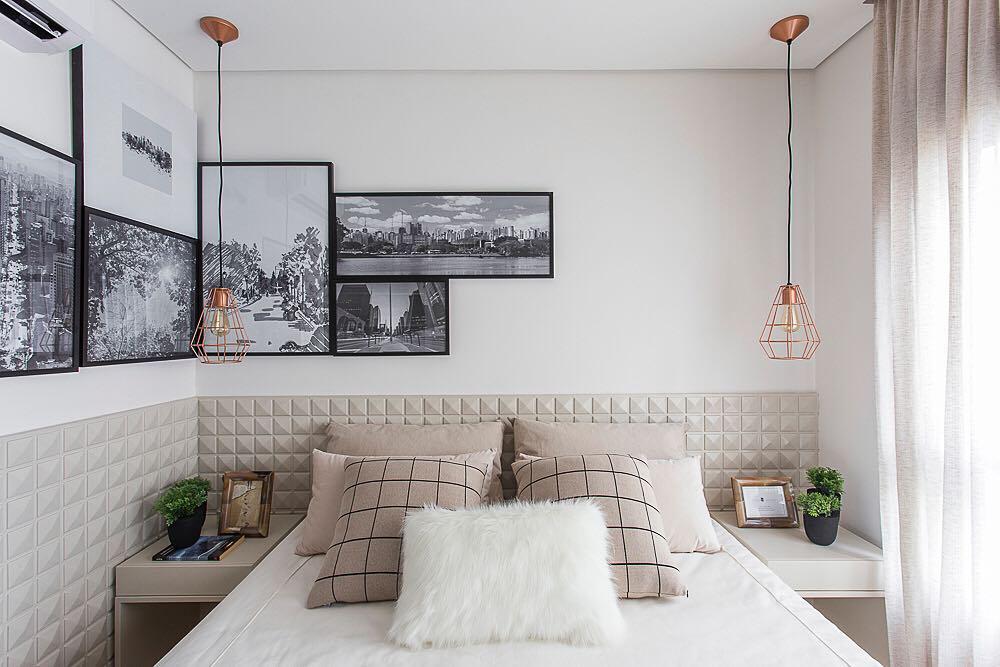 Composição de quadros no encontro das paredes