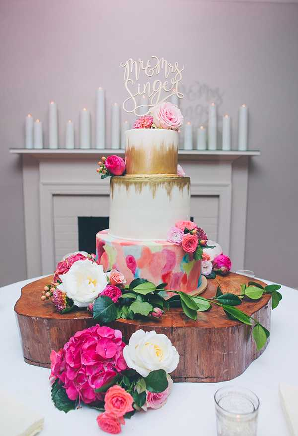 Art cake com pinceladas coloridas