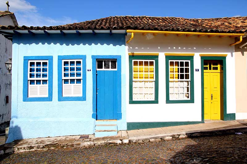 Casas coloniais: 60 ideias de projetos com fotos perfeitas