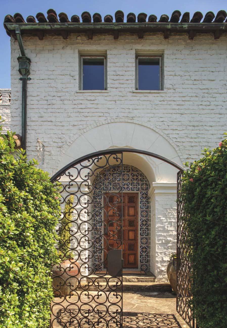 Arcos na fachada da casa