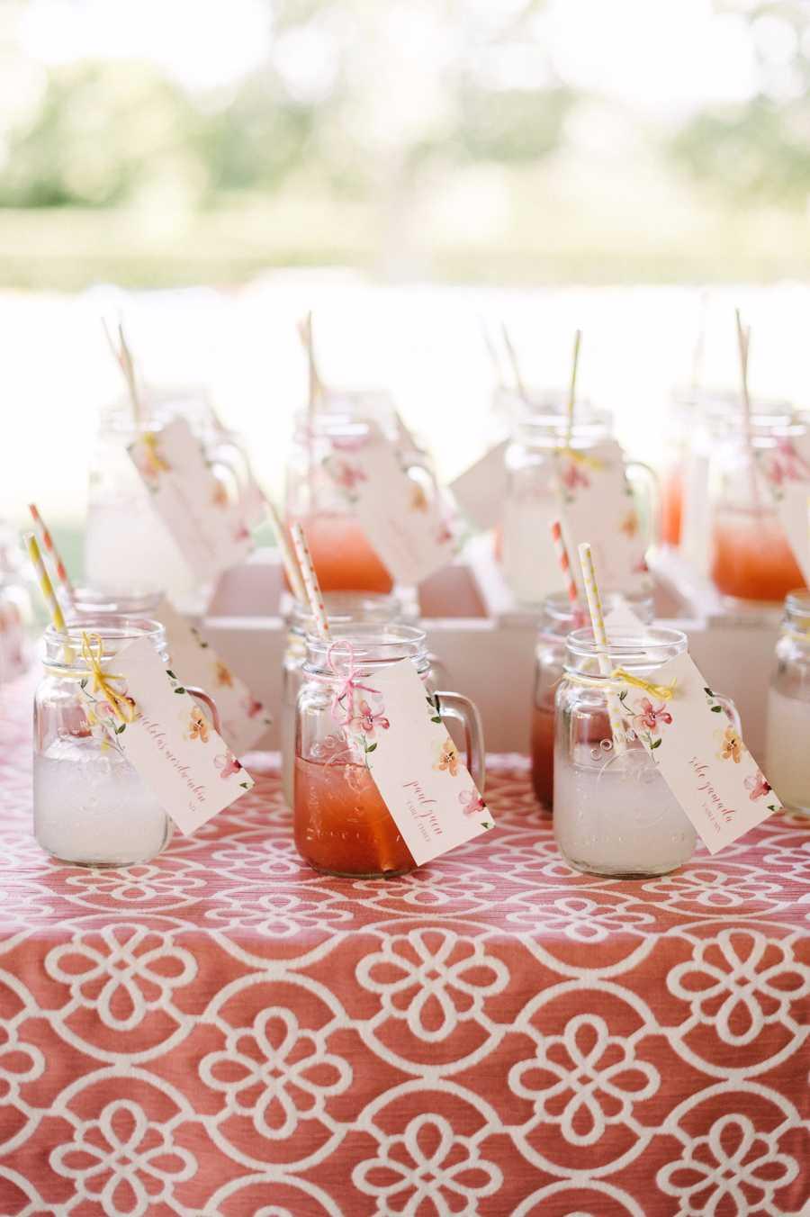 Aposte em bebidinhas, os convidados podem levar o copo para casa