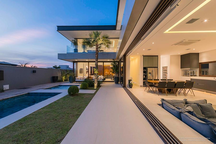 Casas grandes 54 projetos fotos e plantas para se inspirar - Fotos de casas en forma de l ...