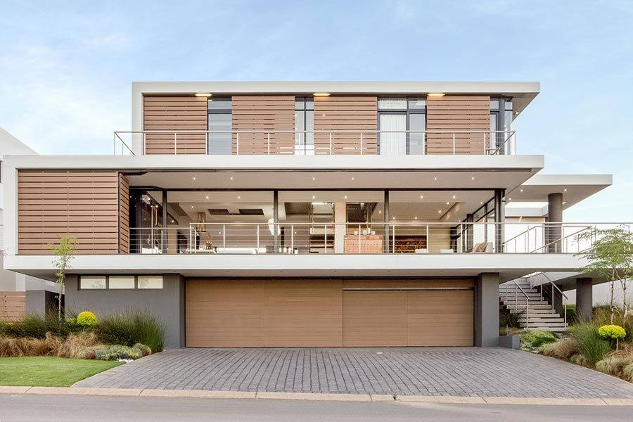 Casa com 3 andares ampla