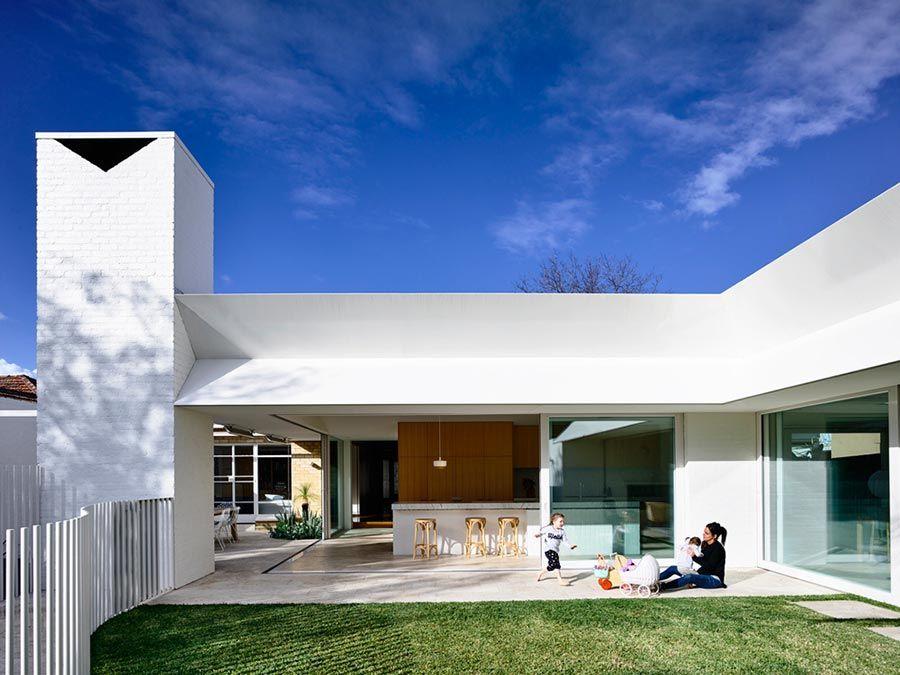 Casas grande que aproveita a integração entre a área interna e externa