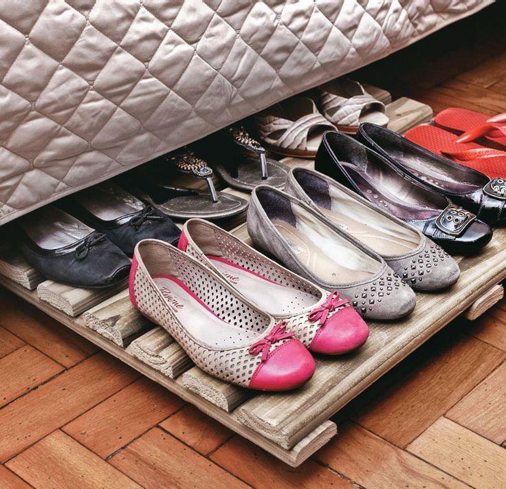 Tablado de pallet para organizar os sapatos