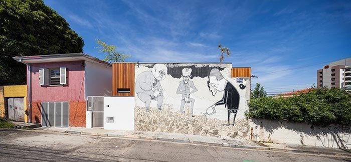 Grafites podem valorizar a fachada de um sobrado pequeno.