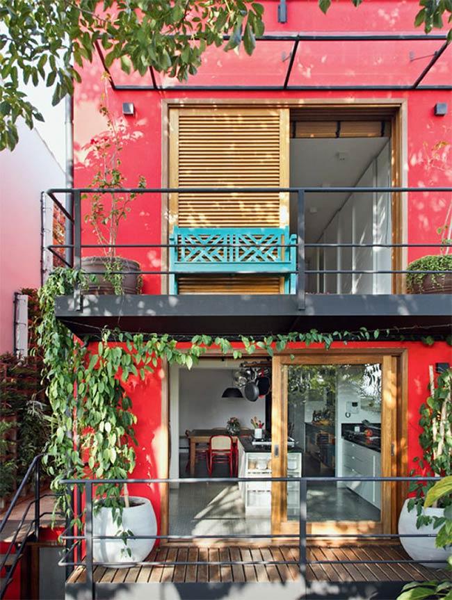 Ganhe espaço com o uso de varandas em sobrados pequenos