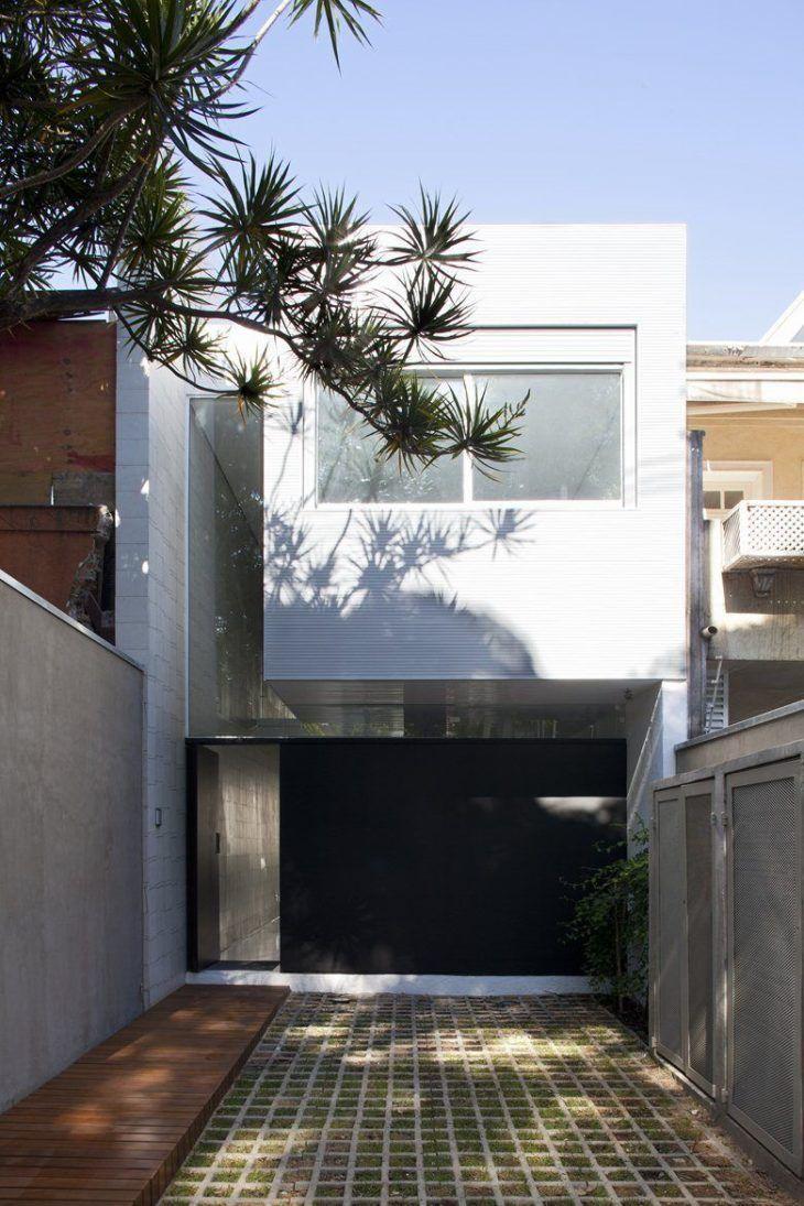 Branco e cinza: uma combinação clássica para a fachada