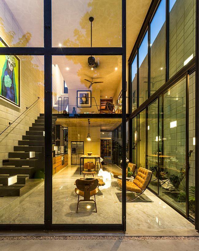 Fachada de vidro permite a entrada de luz