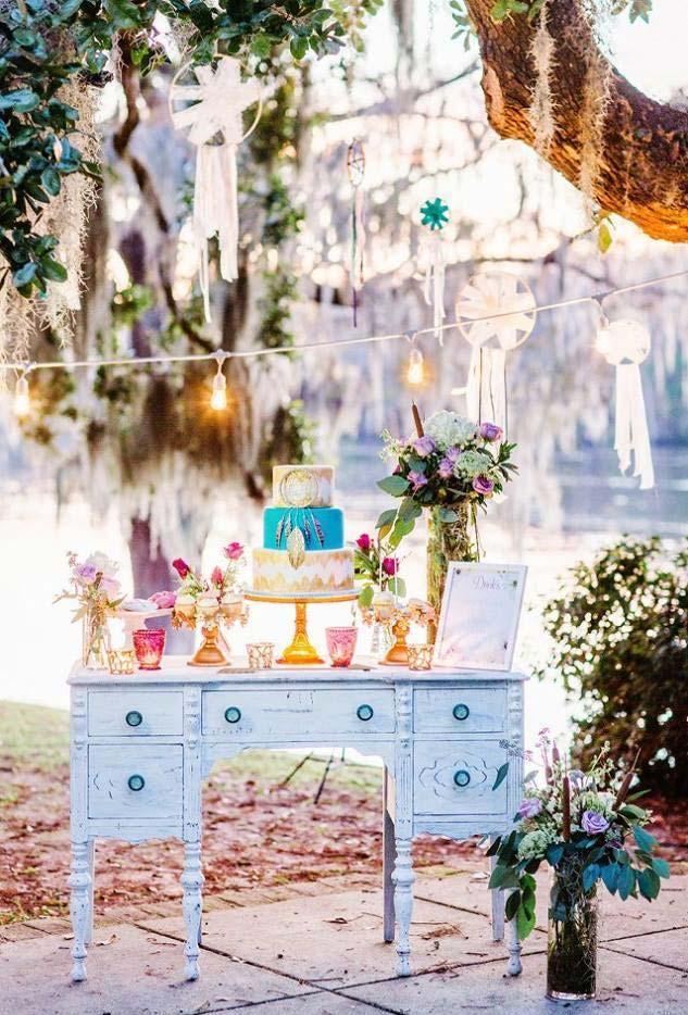 Escrivaninha e decoração natural