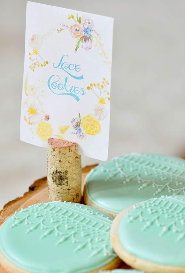 Decoração delicada para biscoitinhos amanteigados