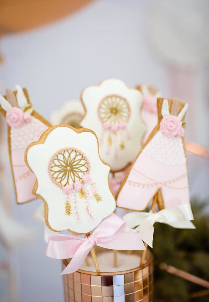 Mais detalhes de biscoitos decorados para festa cigana e boho chic