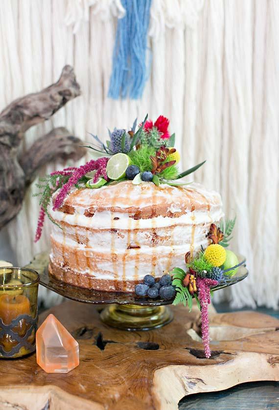 Half-naked cake para a decoração da festa