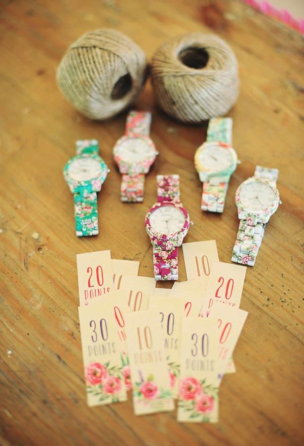 Relógios e acessórios em temas florais