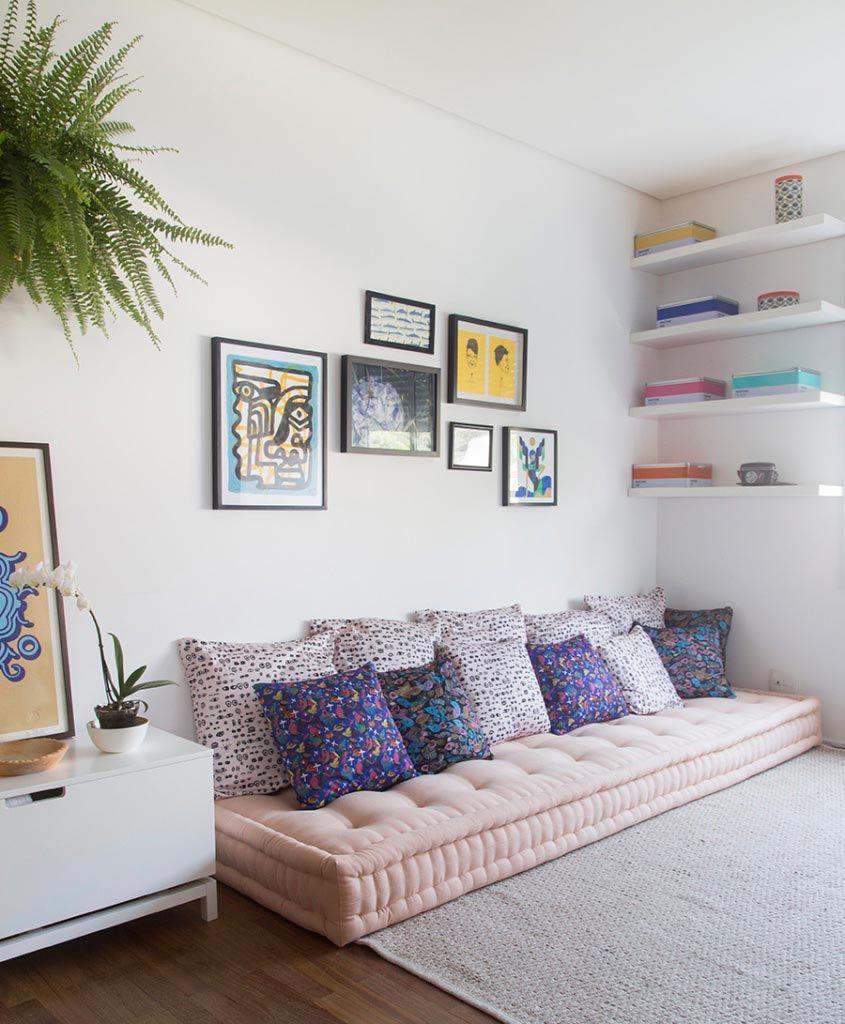 Aposte no futon para uma peça simples e econômica na decoração da sala