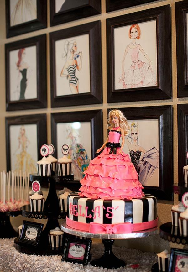 Bolo pedestal para a Princesa Barbie