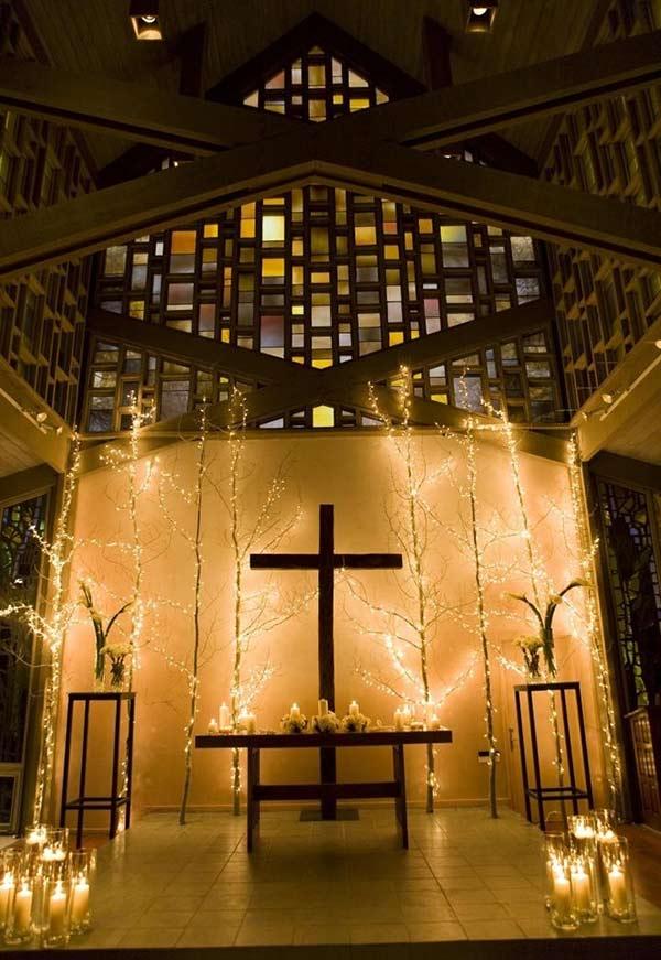 Luzes na decoração de igreja evangélica