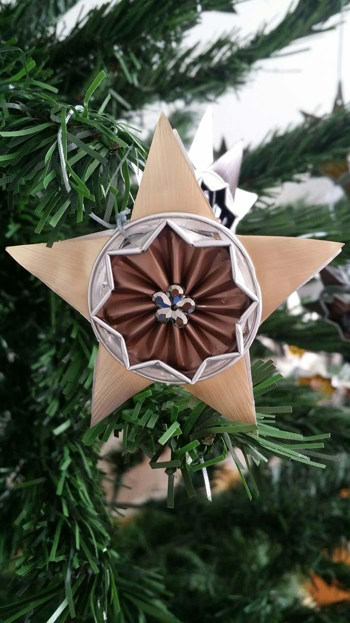 Capsulas de café reaproveitadas para enfeites de Natal