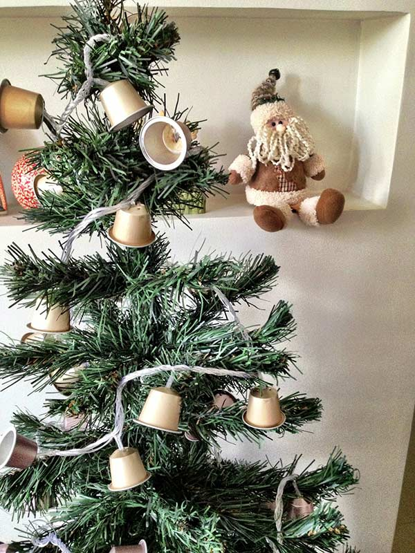 Pisca-pisca fake de natal com cápsulas de café