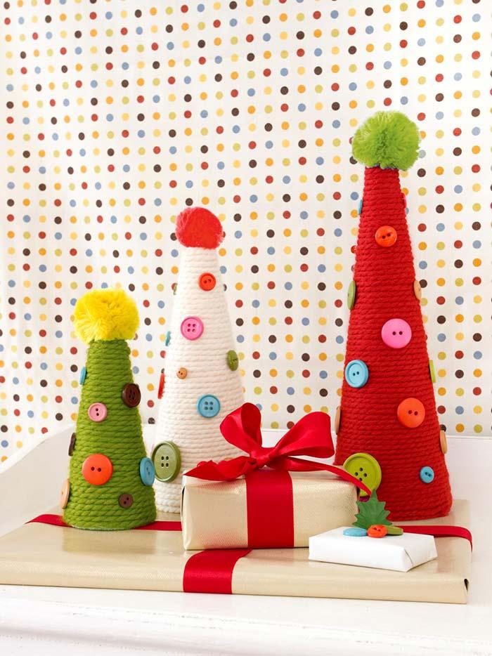 Árvore de Natal com rolos de lã