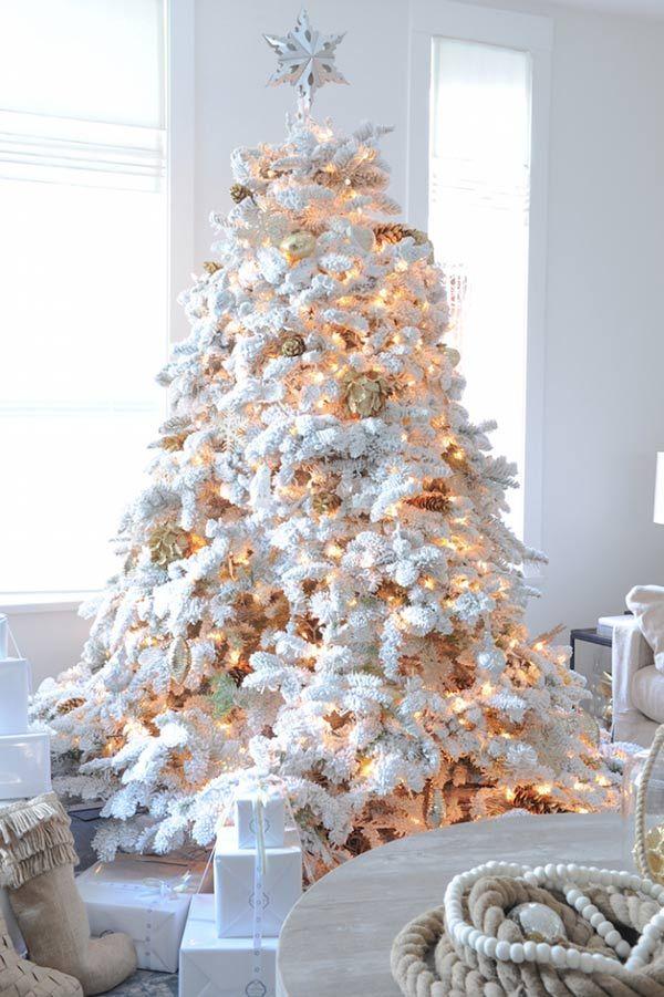 Árvore para a família se reunir e trocar presentes