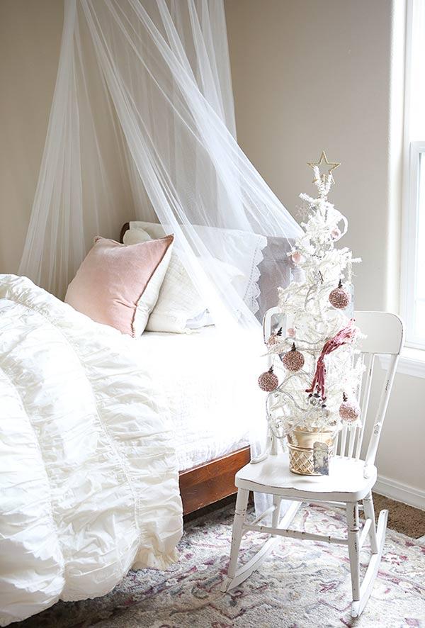 Uma árvore pequena para decorar outros cômodos