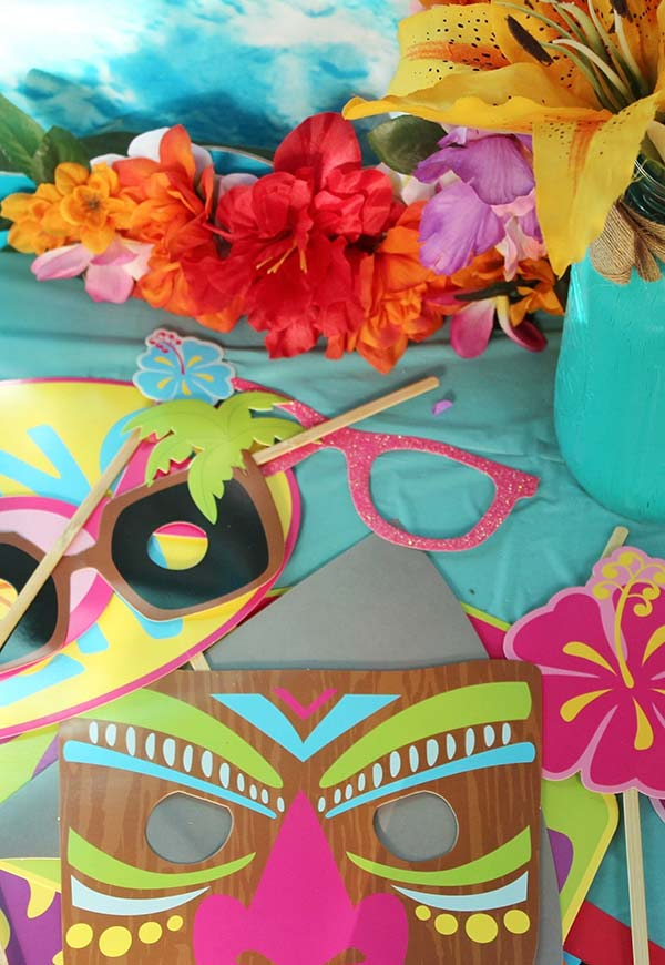 Máscaras e acessórios de papel